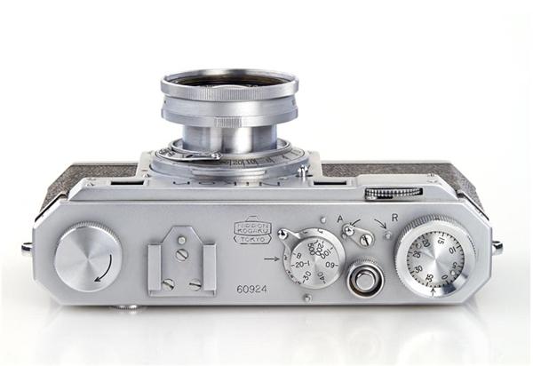 世界最古老的尼康相机 竟值130万图片