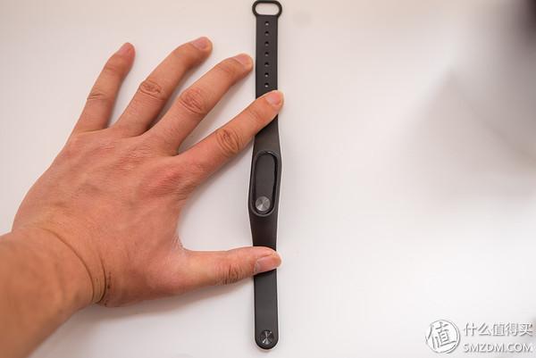 很好的穿戴设备:MI 小米 小米手环 2 开箱体验,对比MOTO360 2代、乐心手环
