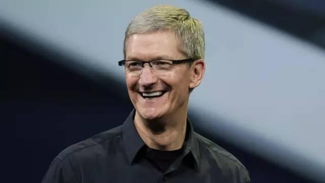 库克回应苹果AR眼镜传闻:不会作为独立设备存在